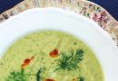 Broccolisoppa med chiliolja